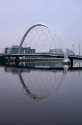 Scotland, Glasgow, River Clyde, Clyde Arc or Squinty Bridge