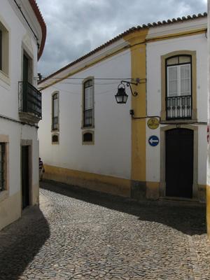 Portugal, Évora, street scene