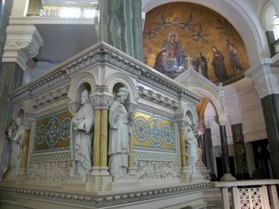 Buenos Aires, Balvanera, Alejandro Christophersen, Santuario Nacional Santa Rosa de Lima