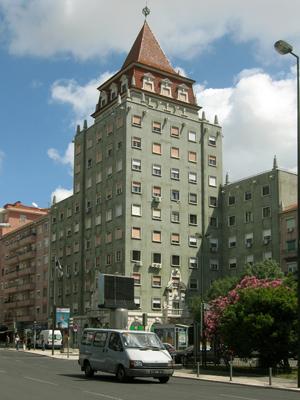 Portugal, Lisboa, Praça de Londres, Cassiano Branco, Português Suave