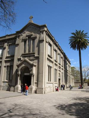 Buenos Aires, Barracas, Parroquia Sagrado Corazón de Jesús