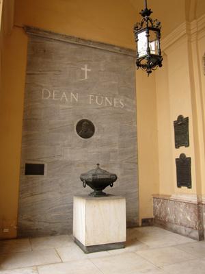 Argentina, Córdoba, Catedral, tumba Deán Funes