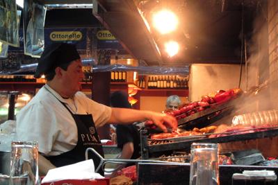 Montevideo, Ciudad Vieja, Mercado del Puerto, parrilla
