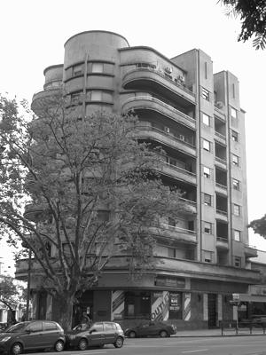 Uruguay, Montevideo, Avenida Lavalleja, Edificio Güelfi