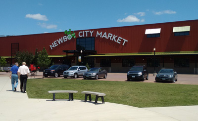 USA, Iowa, Cedar Rapids, Newbo City Market