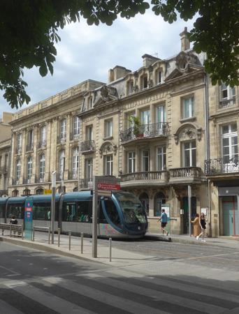 France, Bordeaux, street scene, tram, tranvía