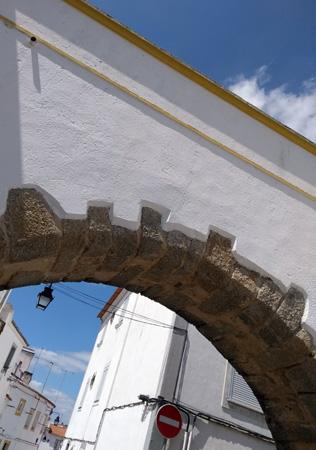 Rick Steves, guidebook research, Portugal, Évora, aqueduto